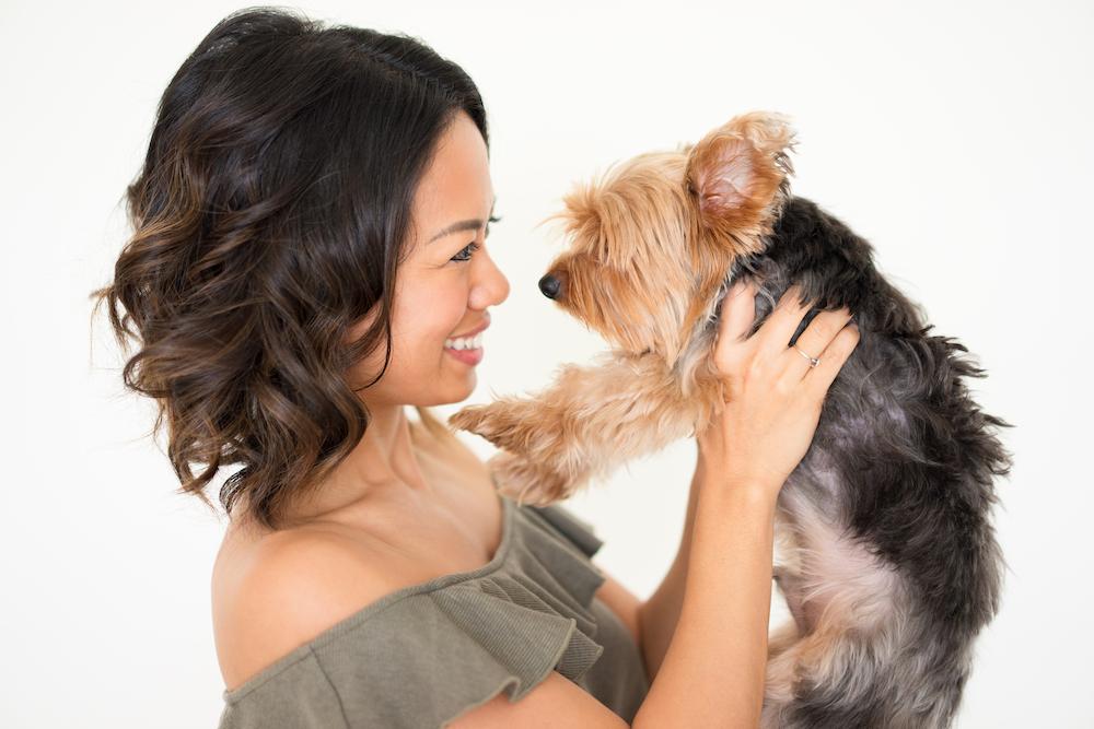 一人暮らしの女性が犬を飼う